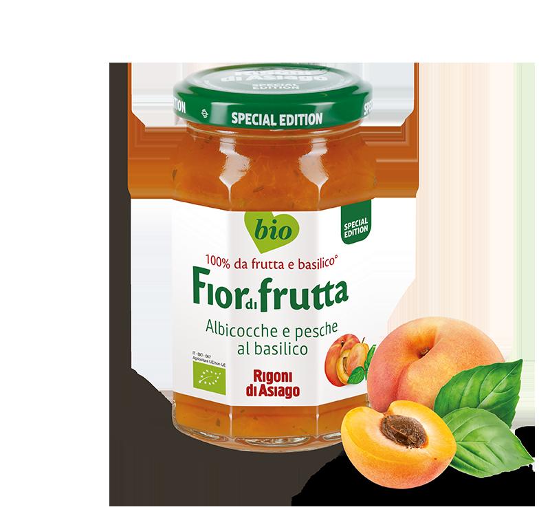 Pfirsich und aprikose mit basilikum